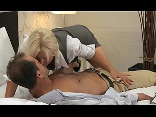blonde,milfs,mature,cumshots,mommy