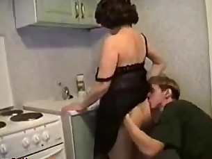 milfs,mature,mommy,housewife,russian